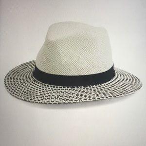 Halogen Modern Panama Hat NWOT